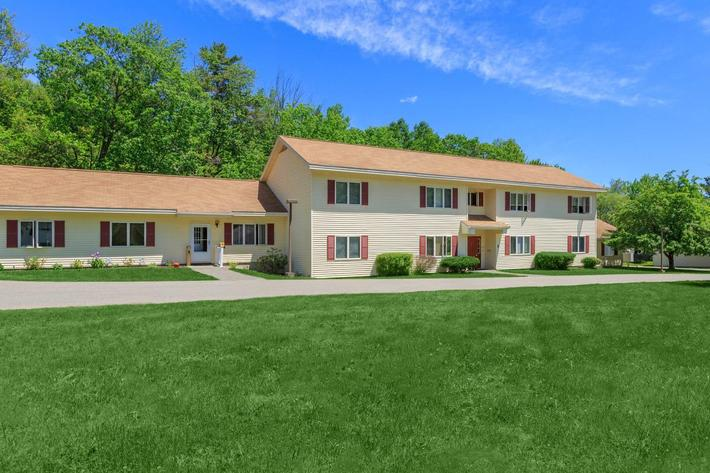 Image of Oakview Apartments in Oakland, Maine