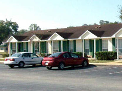 Image of Trenton Place Apartments in Trenton, Florida
