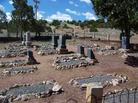 *SLAUGHTER FAMILY, CEMETERY OVERVIEW - Apache County, Arizona | CEMETERY OVERVIEW *SLAUGHTER FAMILY - Arizona Gravestone Photos