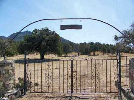 *PARADISE, CEMETERY GATE - Cochise County, Arizona | CEMETERY GATE *PARADISE - Arizona Gravestone Photos