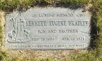 BRADLEY, KENNETH EUGENE - Coconino County, Arizona | KENNETH EUGENE BRADLEY - Arizona Gravestone Photos