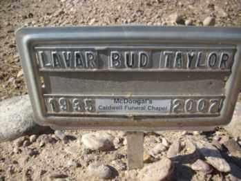 TAYLOR, LAVAR E. - Graham County, Arizona | LAVAR E. TAYLOR - Arizona Gravestone Photos