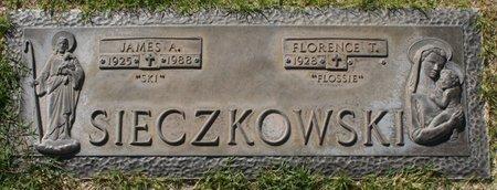 """SIECZKOWSKI, FLORENCE T """"FLOSSIE"""" - Maricopa County, Arizona   FLORENCE T """"FLOSSIE"""" SIECZKOWSKI - Arizona Gravestone Photos"""