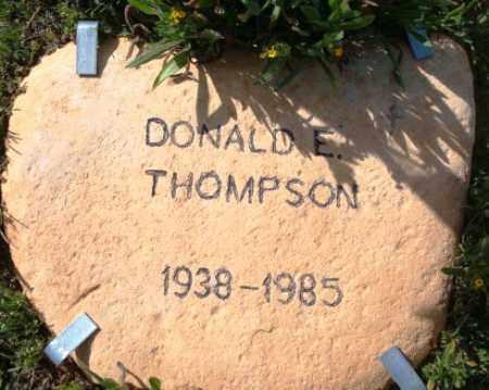 THOMPSON, DONALD E. - Maricopa County, Arizona | DONALD E. THOMPSON - Arizona Gravestone Photos