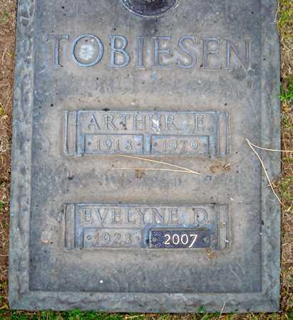TOBIESEN, EVELYNE D. - Maricopa County, Arizona | EVELYNE D. TOBIESEN - Arizona Gravestone Photos