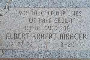 MRACEK, ALBERT ROBERT - Mohave County, Arizona | ALBERT ROBERT MRACEK - Arizona Gravestone Photos
