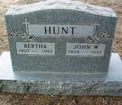 HUNT, JOHN W. - Yavapai County, Arizona | JOHN W. HUNT - Arizona Gravestone Photos