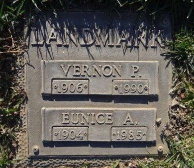 LANDMARK, EUNICE A. - Yavapai County, Arizona   EUNICE A. LANDMARK - Arizona Gravestone Photos