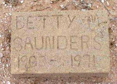 SAUNDERS, BETTY M. - Yavapai County, Arizona | BETTY M. SAUNDERS - Arizona Gravestone Photos