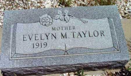 TAYLOR, EVELYN M. - Yavapai County, Arizona | EVELYN M. TAYLOR - Arizona Gravestone Photos