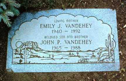 EDWARDS, EMILY J. - Yavapai County, Arizona | EMILY J. EDWARDS - Arizona Gravestone Photos