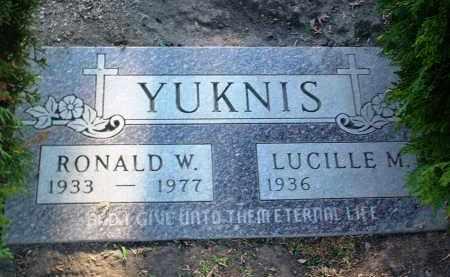 YUKNIS, RONALD W. - Yavapai County, Arizona | RONALD W. YUKNIS - Arizona Gravestone Photos