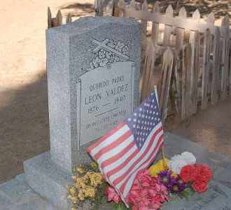 VALDEZ, LEON - Yuma County, Arizona   LEON VALDEZ - Arizona Gravestone Photos