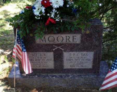 MOORE  (VETERAN WWII), DAN - Craighead County, Arkansas | DAN MOORE  (VETERAN WWII) - Arkansas Gravestone Photos
