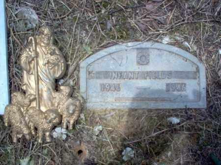 FIELDS, INFANT - Cross County, Arkansas   INFANT FIELDS - Arkansas Gravestone Photos