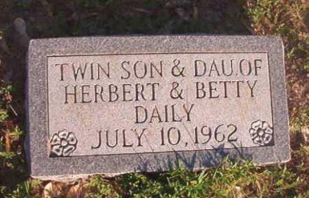 DAILY, INFANT DAUGHTER - Dallas County, Arkansas | INFANT DAUGHTER DAILY - Arkansas Gravestone Photos