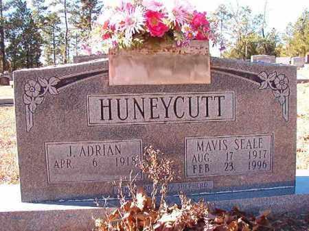 SEALE HUNEYCUTT, MAVIS - Dallas County, Arkansas   MAVIS SEALE HUNEYCUTT - Arkansas Gravestone Photos