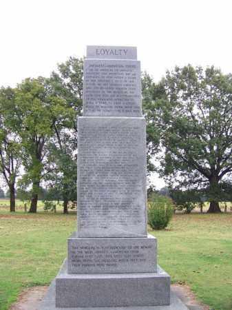 *ROHWER CENTER, LOYALTY MONUMENT - Desha County, Arkansas | LOYALTY MONUMENT *ROHWER CENTER - Arkansas Gravestone Photos