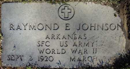 JOHNSON (VETERAN WWII), RAYMOND E - Faulkner County, Arkansas | RAYMOND E JOHNSON (VETERAN WWII) - Arkansas Gravestone Photos
