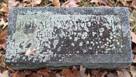 MOORE, JR., RONALD W. - Garland County, Arkansas | RONALD W. MOORE, JR. - Arkansas Gravestone Photos
