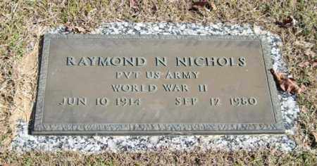 NICHOLS (VETERAN WWII), RAYMOND N - Garland County, Arkansas | RAYMOND N NICHOLS (VETERAN WWII) - Arkansas Gravestone Photos