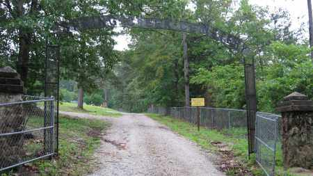 *SPRING CREEK ENTRANCE GATE,  - Izard County, Arkansas |  *SPRING CREEK ENTRANCE GATE - Arkansas Gravestone Photos
