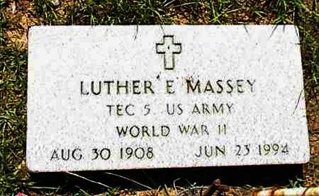 MASSEY (VETERAN WWII), LUTHER E. - Lafayette County, Arkansas | LUTHER E. MASSEY (VETERAN WWII) - Arkansas Gravestone Photos