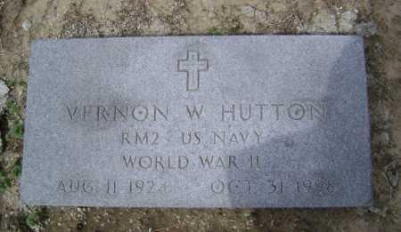 HUTTON  (VETERAN WWII), VERNON W - Lawrence County, Arkansas | VERNON W HUTTON  (VETERAN WWII) - Arkansas Gravestone Photos