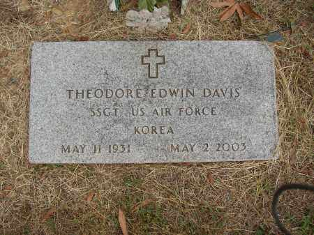 DAVIS (VETERAN KOR), THEODORE EDWIN - Lonoke County, Arkansas | THEODORE EDWIN DAVIS (VETERAN KOR) - Arkansas Gravestone Photos