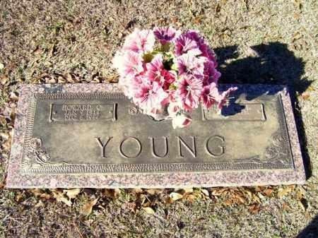 YOUNG, HOWARD C. - Miller County, Arkansas | HOWARD C. YOUNG - Arkansas Gravestone Photos