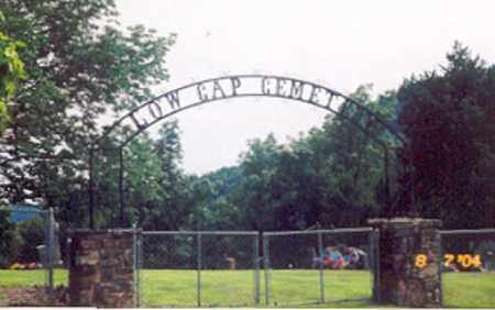 *LOW GAP CEMETERY ENTRANCE, . - Newton County, Arkansas | . *LOW GAP CEMETERY ENTRANCE - Arkansas Gravestone Photos