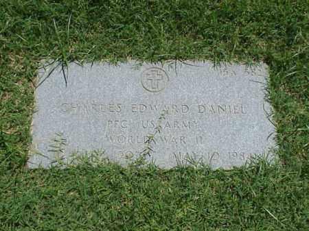 DANIEL (VETERAN WWII), CHARLES EDWARD - Pulaski County, Arkansas | CHARLES EDWARD DANIEL (VETERAN WWII) - Arkansas Gravestone Photos