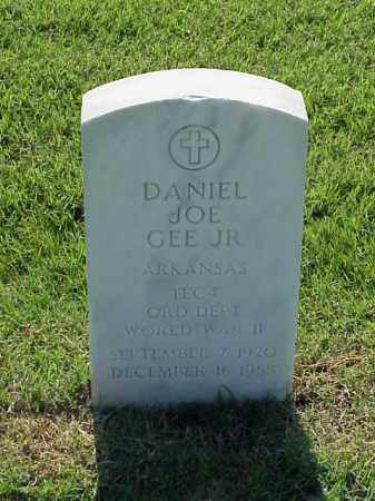 GEE, JR (VETERAN WWII), DANIEL JOE - Pulaski County, Arkansas | DANIEL JOE GEE, JR (VETERAN WWII) - Arkansas Gravestone Photos