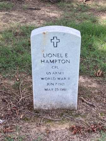 HAMPTON (VETERAN WWII), LIONEL E - Pulaski County, Arkansas | LIONEL E HAMPTON (VETERAN WWII) - Arkansas Gravestone Photos