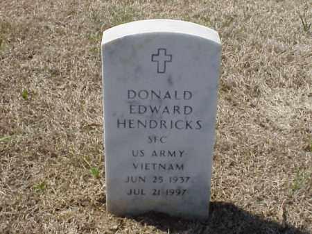 HENDRICKS (VETERAN VIET), DONALD EDWARD - Pulaski County, Arkansas | DONALD EDWARD HENDRICKS (VETERAN VIET) - Arkansas Gravestone Photos