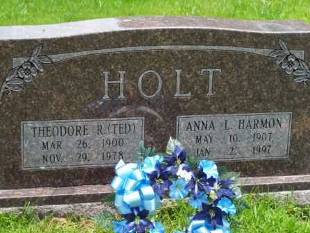 "HOLT, THEODORE R ""TED"" - Pulaski County, Arkansas | THEODORE R ""TED"" HOLT - Arkansas Gravestone Photos"