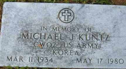 KUNTZ (VETERAN KOR), MICHAEL J - Pulaski County, Arkansas | MICHAEL J KUNTZ (VETERAN KOR) - Arkansas Gravestone Photos