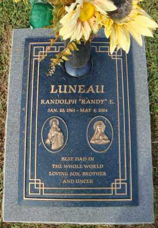 "LUNEAU, RANDOLPH ""RANDY"" E. - Pulaski County, Arkansas   RANDOLPH ""RANDY"" E. LUNEAU - Arkansas Gravestone Photos"