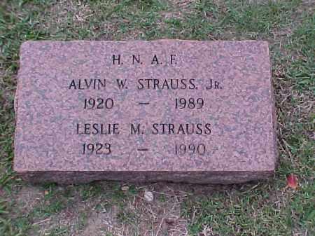 STRAULL, LESLIE M - Pulaski County, Arkansas   LESLIE M STRAULL - Arkansas Gravestone Photos