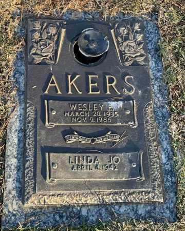 AKERS, WESLEY E. - Saline County, Arkansas | WESLEY E. AKERS - Arkansas Gravestone Photos