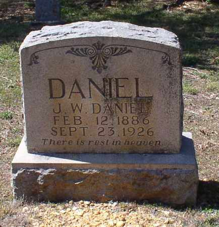 DANIEL, J. WILLIE - Saline County, Arkansas | J. WILLIE DANIEL - Arkansas Gravestone Photos