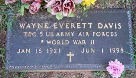 DAVIS  (VETERAN WWII), WAYNE EVERETT - Scott County, Arkansas   WAYNE EVERETT DAVIS  (VETERAN WWII) - Arkansas Gravestone Photos