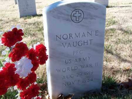 VAUGHT (VETERAN WWII), NORMAN E. - Sebastian County, Arkansas   NORMAN E. VAUGHT (VETERAN WWII) - Arkansas Gravestone Photos