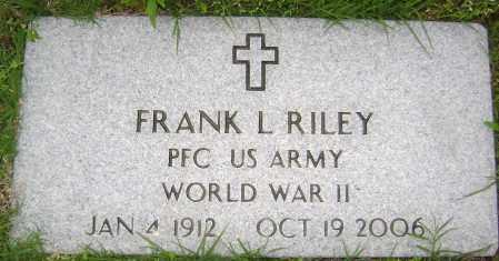 RILEY (VETERAN WWII), FRANK L - Sharp County, Arkansas | FRANK L RILEY (VETERAN WWII) - Arkansas Gravestone Photos