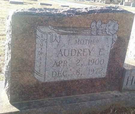 HUCKABEE, AUDREY E (CLOSE UP) - White County, Arkansas   AUDREY E (CLOSE UP) HUCKABEE - Arkansas Gravestone Photos