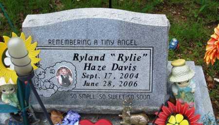 "DAVIS, RYLAND HAZE ""RYLIE"" - Baxter County, Arkansas | RYLAND HAZE ""RYLIE"" DAVIS - Arkansas Gravestone Photos"