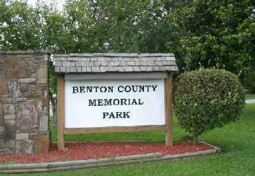 *BENTON COUNTY MEMORIAL PARK,  - Benton County, Arkansas    *BENTON COUNTY MEMORIAL PARK - Arkansas Gravestone Photos
