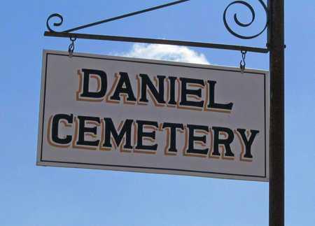 *DANIEL CEMETERY SIGN 2,  - Benton County, Arkansas |  *DANIEL CEMETERY SIGN 2 - Arkansas Gravestone Photos