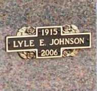 JOHNSON (VETERAN WWII), LYLE E - Benton County, Arkansas | LYLE E JOHNSON (VETERAN WWII) - Arkansas Gravestone Photos