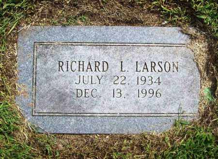 LARSON, RICHARD L. - Benton County, Arkansas   RICHARD L. LARSON - Arkansas Gravestone Photos